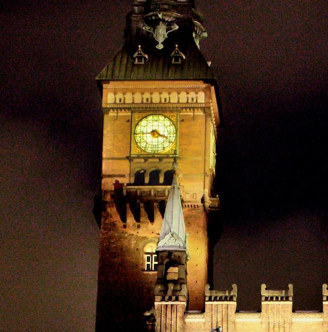 Den 25/12-2010, kl. 15.45 gik Rådhusuret i København i stå.
