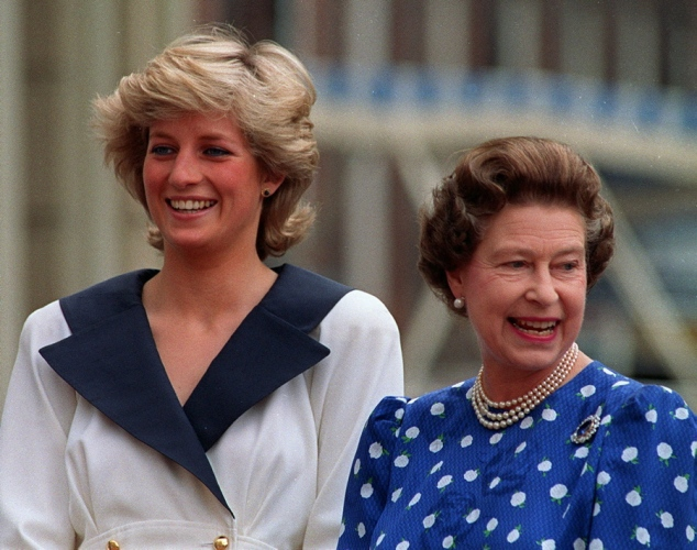 queen-elizabeth-and-princess-diana