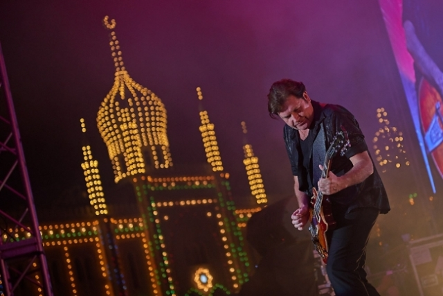 Charlie Burchill and Simple Minds in Tivoli 080814