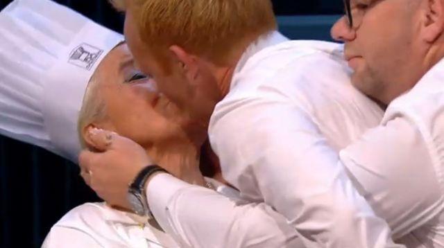 Anders Breinholt controlled by Lars Hjortshøj kissing Ida Davidsen