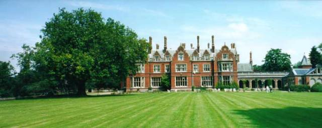 Arthur FIndlay College, London