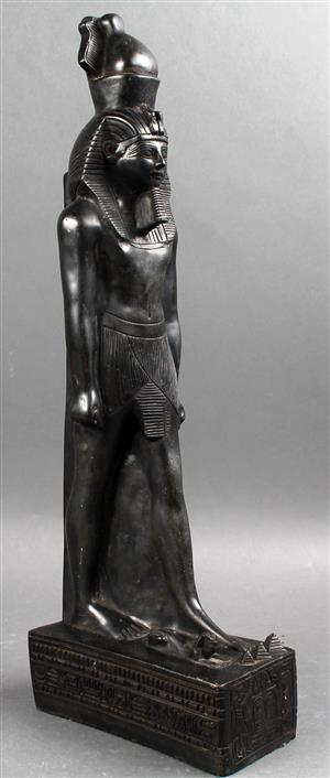 egyptian-statue-in-my-living-room