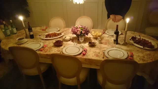 mother-dining-table-121116